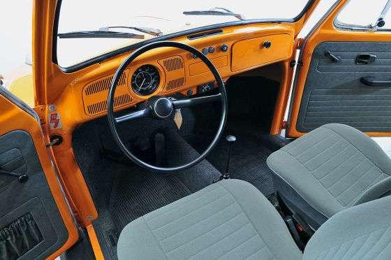 volkswagen beetle    odo  km orange  cars  cars